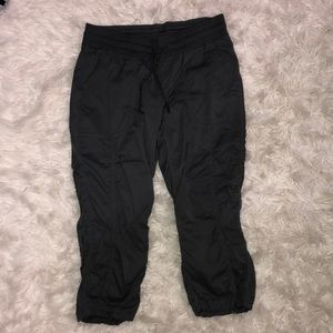 THE NORTH FACE Grey light weight cropped pants